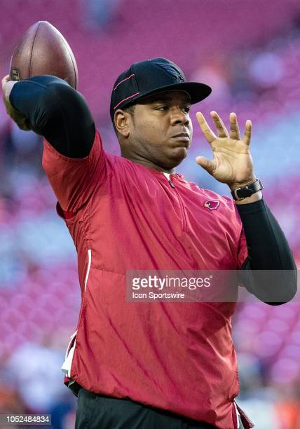 Arizona Cardinals Quarterbacks Coach Byron Leftwich throws the ball before NFL football game between the Arizona Cardinals and the Denver Broncos on...