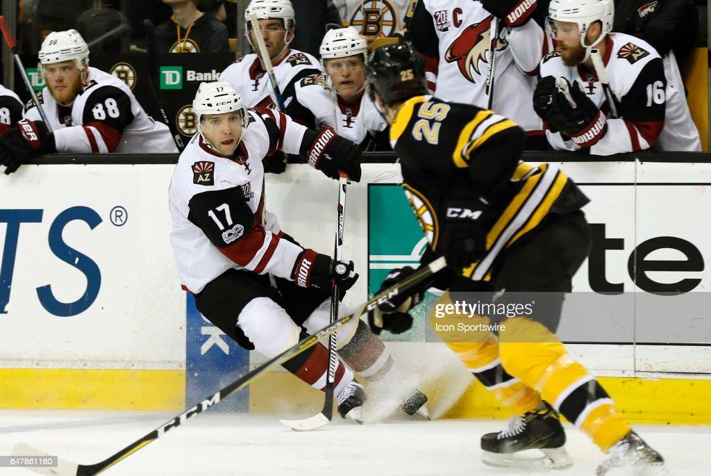 NHL: FEB 28 Coyotes at Bruins : News Photo