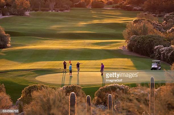 アリゾナのゴルファーのパッティンググリーン