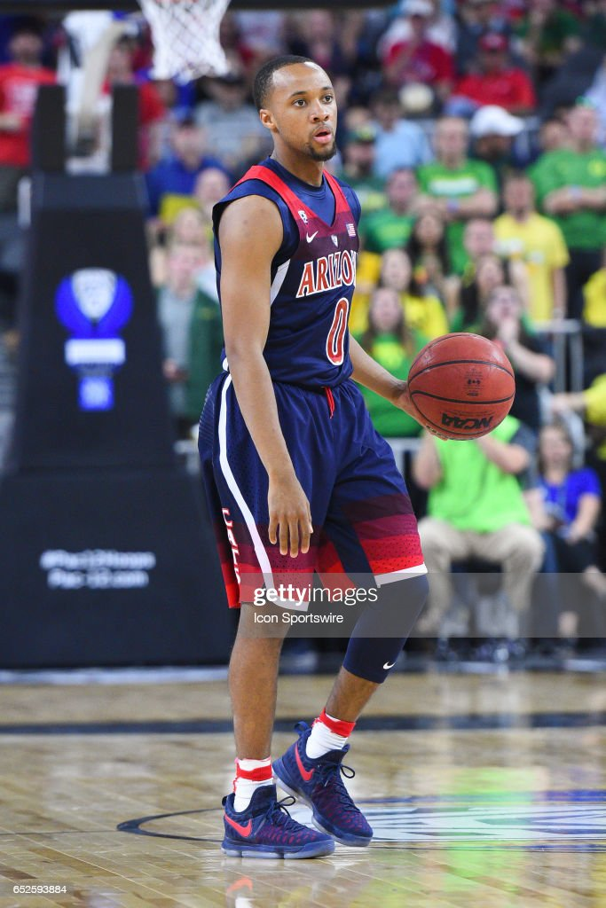 Arizona guard Parker Jackson-Cartwright (0) sets up the offense during the championship game of the Pac-12 Tournament between the Oregon Ducks and the Arizona Wildcats on March 11, 2017, at the T-Mobile Arena in Las Vegas, NV.