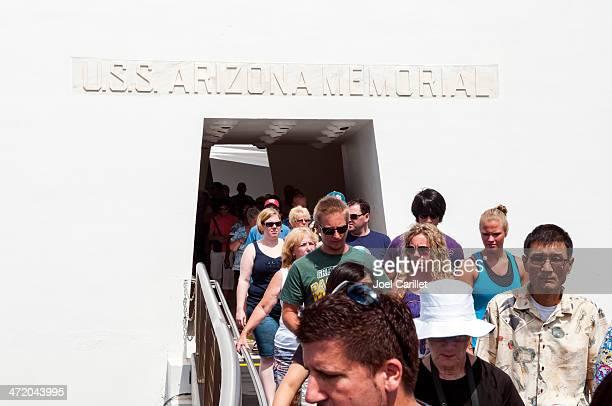 u.s.s. arizona memorial at pearl harbor - uss_arizona stock pictures, royalty-free photos & images