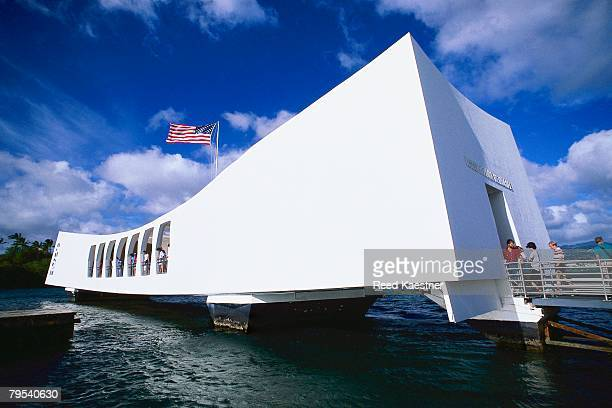 uss arizona memorial - pearl harbor 1941 stock pictures, royalty-free photos & images