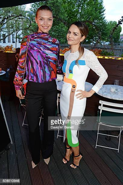 Arizona Muse and Maria Hatzistefanis attend a private dinner hosted by Rodial founder Maria Hatzistefanis Bay Garnett at Casa Cruz on May 5 2016 in...
