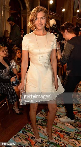 Arizona Muse attends as Christian Dior showcases its spring summer 2017 cruise collection at Blenheim Palace on May 31 2016 in Woodstock England