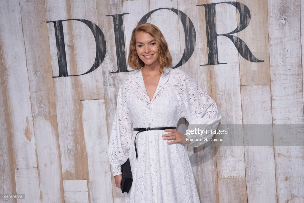Arizona Muse attends the Christian Dior Couture S/S19 Cruise Collection Photocall At Grandes Ecuries De Chantillyon May 25, 2018 in Chantilly, France.