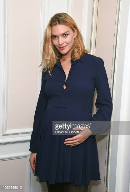Arizona Muse attends the English National Opera production of 'Porgy Bess' at London Coliseum on October 24 2018 in London England