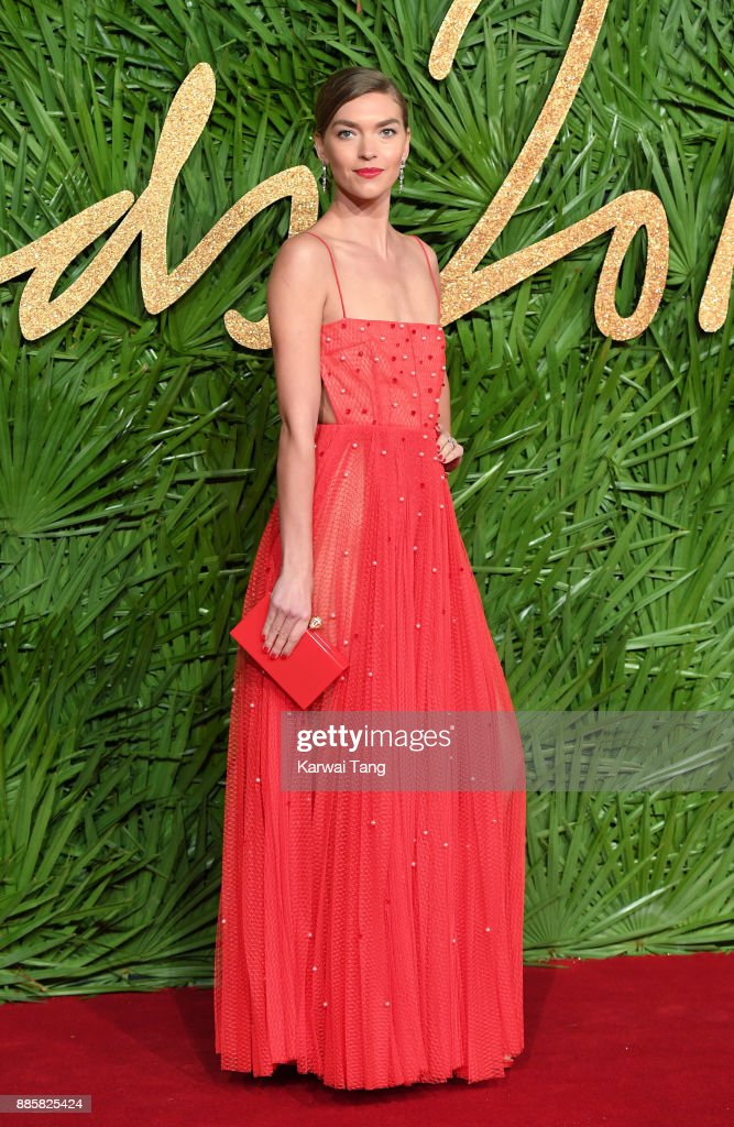 Arizona Muse attends The Fashion Awards 2017 in partnership with Swarovski at Royal Albert Hall on December 4, 2017 in London, England.
