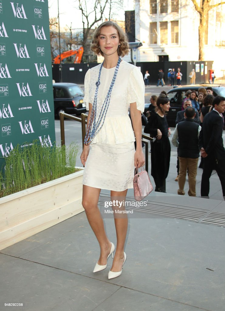 Arizona Muse attends the Fashioned From Nature VIP preview at The V&A on April 18, 2018 in London, England.