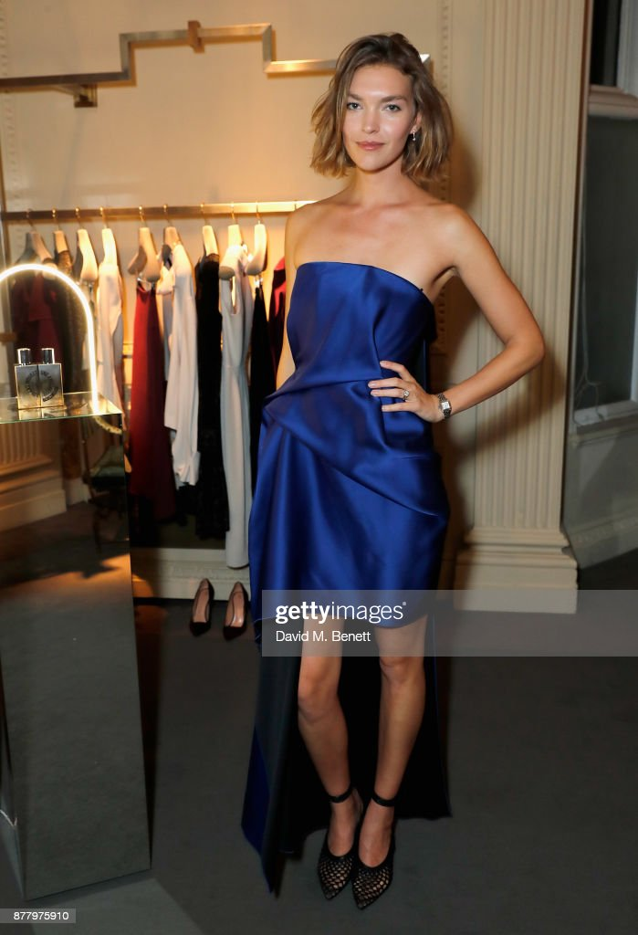 Arizona Muse attends the launch of Roland Mouret's debut fragrance 'Une Amourette' in collaboration with Etat Libre on November 23, 2017 in London, England.