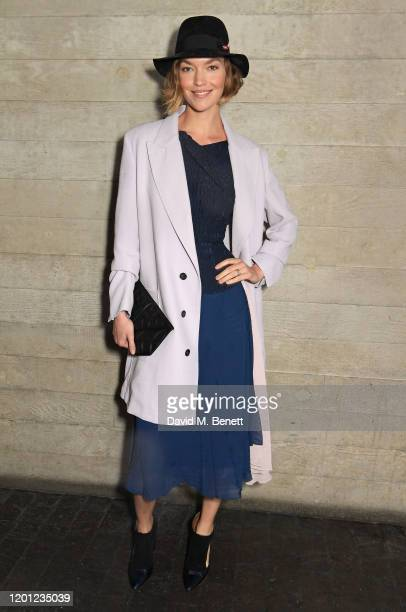 Arizona Muse attends the Roland Mouret show during London Fashion Week February 2020 at The National Theatre on February 16, 2020 in London, England.