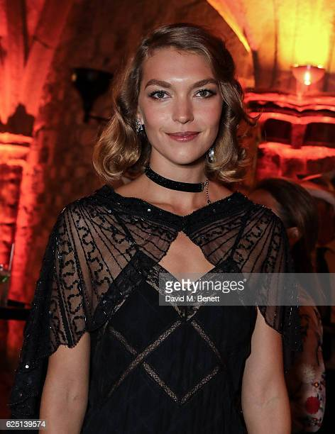Arizona Muse attends the Save The Children Winter Gala at The Guildhall on November 22 2016 in London England