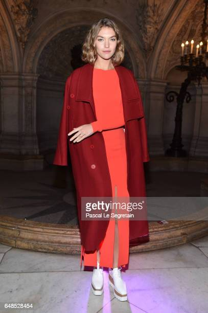 Arizona Muse attends the Stella McCartney show as part of the Paris Fashion Week Womenswear Fall/Winter 2017/2018 on March 6 2017 in Paris France