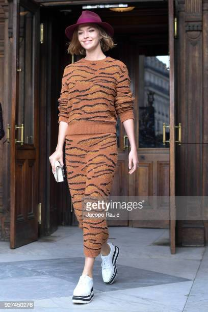 Arizona Muse attends the Stella McCartney show as part of the Paris Fashion Week Womenswear Fall/Winter 2018/2019 on March 5 2018 in Paris France