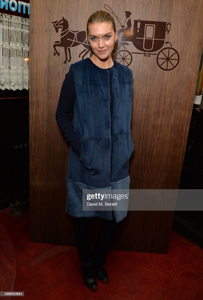 Arizona Muse attends the Thanksgiving dinner with Coach hosted by Zoe Kravitz and Mary Charteris on November 24, 2014 in London, England.
