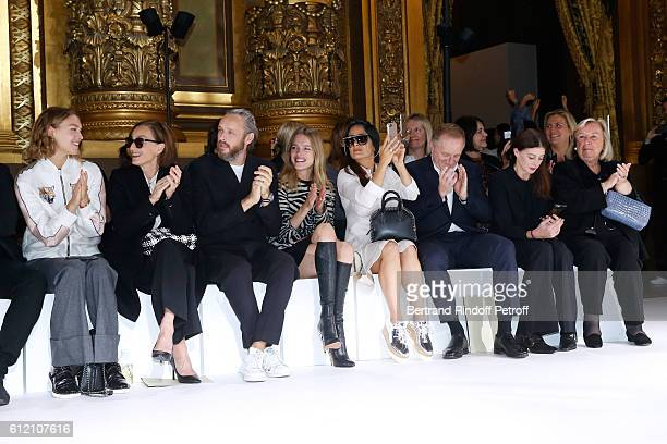 Arizona Muse, Kristin Scott Thomas, husband of Stella, Alasdhair Willis, Natalia Vodianova, Salma Hayek, her husband CEO of Kering Group,...