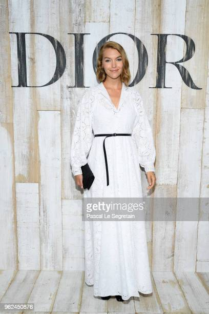 Arizona Muse poses at a photocall during Christian Dior Couture S/S19 Cruise Collection on May 25 2018 in Chantilly France