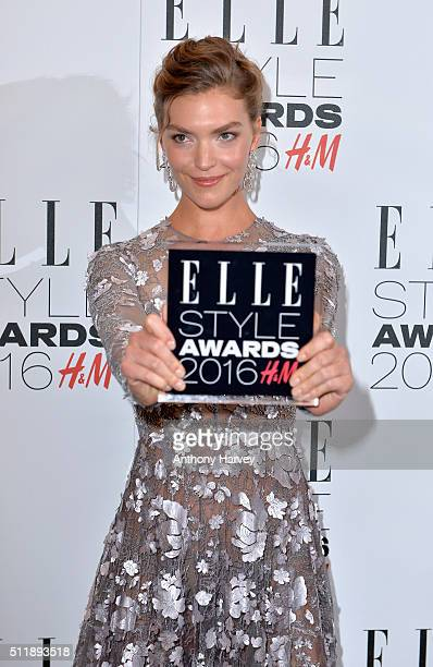 Arizona Muse poses with her award for Fashion Director's Woman of The Year in the winners room at The Elle Style Awards 2016 on February 23 2016 in...