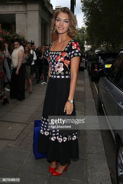 Arizona Muse seen arriving at Temperley London on Day 3 of London Fashion Week Spring/Summer 2017 on September 18 2016 in London England
