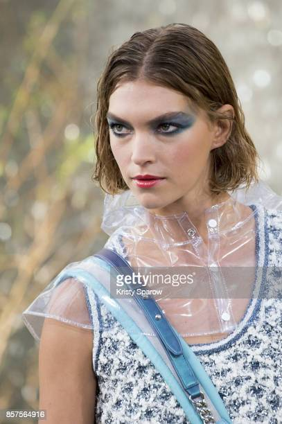 Arizona Muse walks the runway during the Chanel show as part of Paris Fashion Week Womenswear Spring/Summer 2018 on October 3 2017 in Paris France