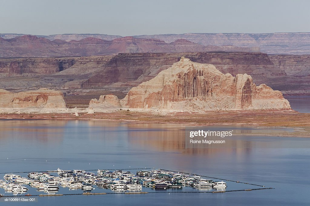 USA, Arizona, Page, aerial view of harbour and landscape : Stockfoto