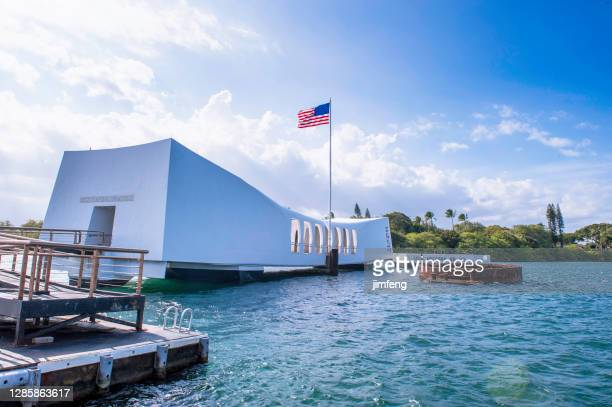 uss arizona, pearl harbor historic sites in honolulu, hawaii, usa - pearl harbor stock pictures, royalty-free photos & images