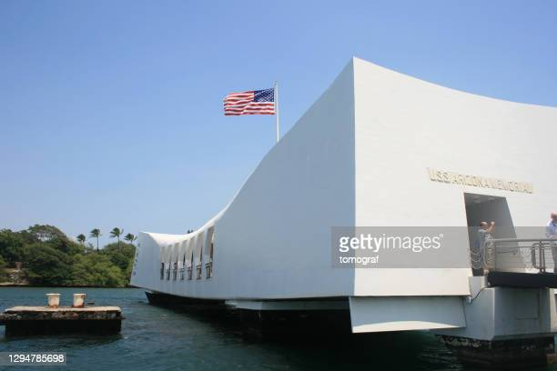uss arizona, pearl harbor historic sites in honolulu, hawaii, usa - category:census-designated_places_in_honolulu_county,_hawaii stock pictures, royalty-free photos & images