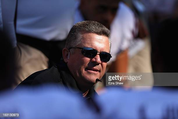 Arizona State Sun Devils head coach Todd Graham talks to his team during their game against the California Golden Bears at California Memorial...