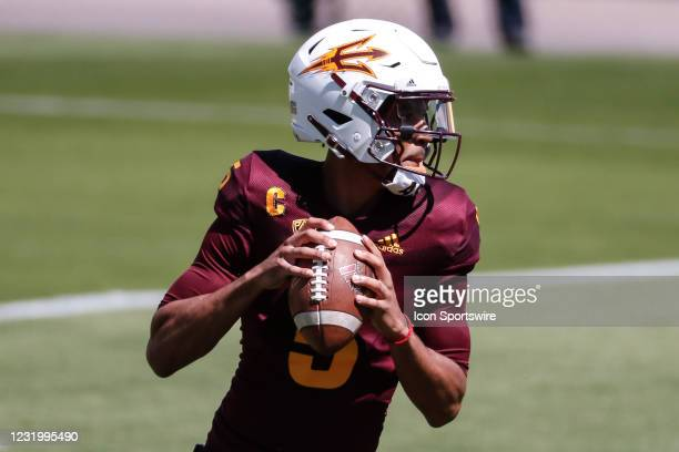 Arizona State Sun Devils quarterback Jayden Daniels looks downfield during the college football spring scrimmage of the Arizona State Sun Devils on...