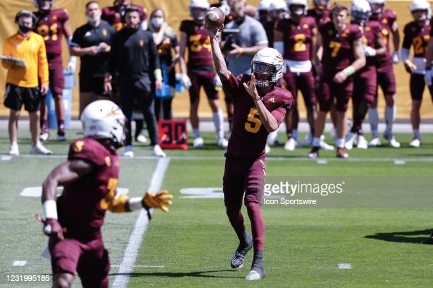 Arizona State Sun Devils quarterback Jayden Daniels throws a pass to Arizona State Sun Devils running back Rachaad White during the college football...