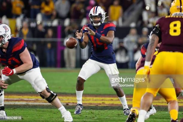 Arizona Wildcats quarterback Khalil Tate receives the snap during the college football game between the Arizona Wildcats and the Arizona State Sun...