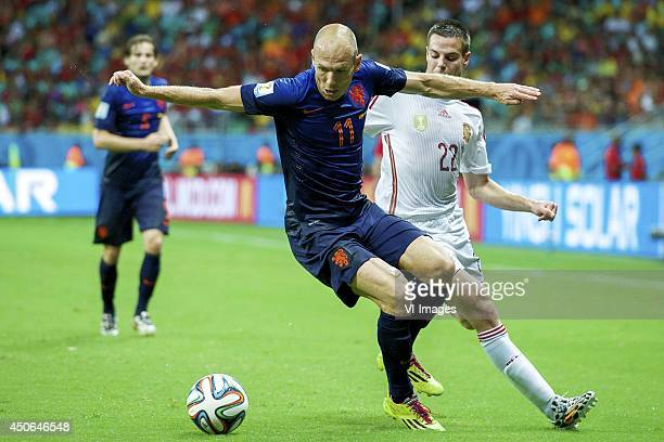 Arjan Robben of Holland Cesar Azpilicueta of Spain during the FIFA World Cup 2014 match between Spain and The Netherlands on June 13 2014 at the...
