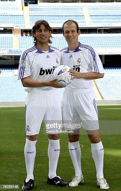 Arjen Robben and Gabriel Heinze pose as they are presented as new Real Madrid signings at the Santiago Bernabeu Stadium on August 23 2007 in Madrid...