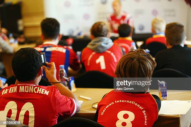 Arjen Robben answers questions of children of the German International School Doha during day 7 of the Bayern Muenchen training camp at ASPIRE...