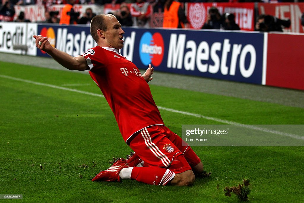 Arjen Robben of Bayern celebrates after scoring the opening goal during the UEFA Champions League semi final first leg match between FC Bayern Muenchen and Olympic Lyon at Allianz Arena on April 21, 2010 in Munich, Germany.