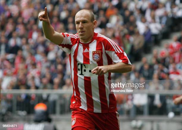 Arjen Robben of Bayern Muenchen celebrates during the Bundesliga match between FC Bayern Muenchen and VfL Bochum at Allianz Arena on May 1, 2009 in...