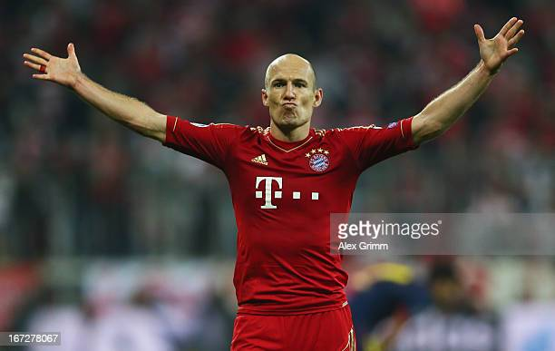 Arjen Robben of Bayern Muenchen celebrates scoring the third goal during the UEFA Champions League Semi Final First Leg match between FC Bayern...
