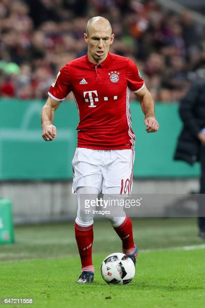 Arjen Robben of Bayern Muenchen controls the ball during the DFB Cup quarter final between Bayern Muenchen and FC Schalke 04 at Allianz Arena on...