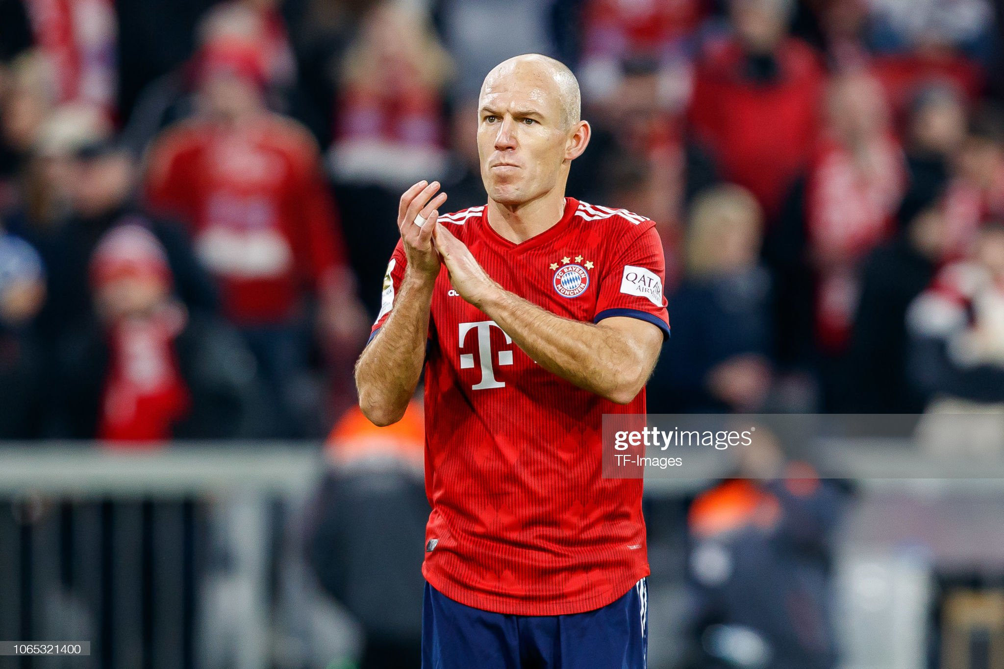 ¿Cuánto mide Arjen Robben? - Altura - Real height Arjen-robben-of-bayern-muenchen-gestures-during-the-bundesliga-match-picture-id1065321400?s=2048x2048