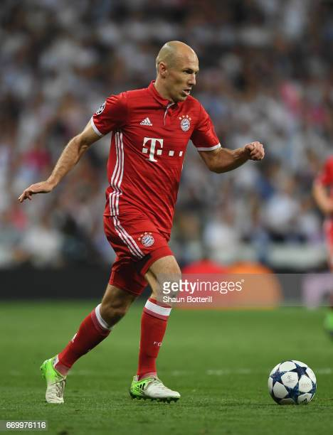Arjen Robben of Bayern Muenchen in action during the UEFA Champions League Quarter Final second leg match between Real Madrid CF and FC Bayern...