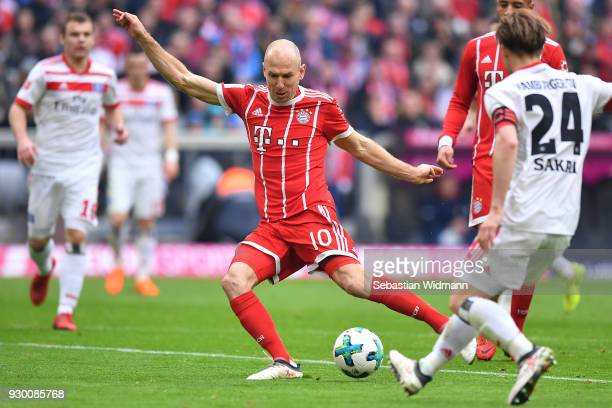 Arjen Robben of Bayern Muenchen scores a goal to make it 40 during the Bundesliga match between FC Bayern Muenchen and Hamburger SV at Allianz Arena...