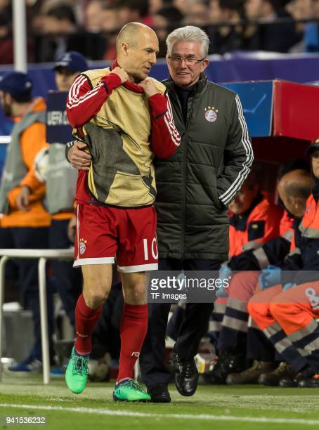 Arjen Robben of Bayern Muenchen speak with head coach Jupp Heynckes of Bayern Muenchen diskussion during the UEFA Champions League QuarterFinal first...