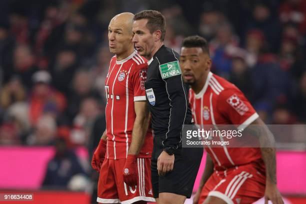 Arjen Robben of Bayern Munchen referee Tobias Stieler during the German Bundesliga match between Bayern Munchen v Schalke 04 at the Allianz Arena on...