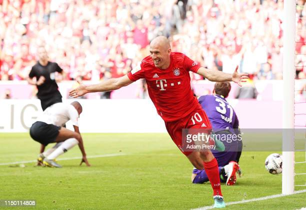 Arjen Robben of Bayern Munich celebrates after scoring a goal during the Bundesliga match between FC Bayern Muenchen and Eintracht Frankfurt at...