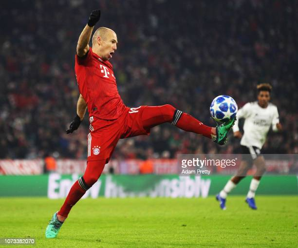 Arjen Robben of Bayern Munich controls the ball during the Group E match of the UEFA Champions League between FC Bayern Muenchen and SL Benfica at...