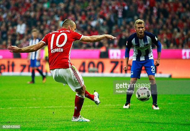 Arjen Robben of Bayern Munich scores a goal during the Bundesliga match between Bayern Muenchen and Hertha BSC at Allianz Arena on September 21 2016...