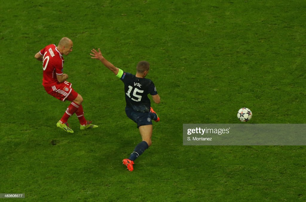 Arjen Robben of Bayern Munich scores his team's third goal during the UEFA Champions League quarter final second leg match between FC Bayern Muenchen and Manchester United at Allianz Arena on April 9, 2014 in Munich, Germany.
