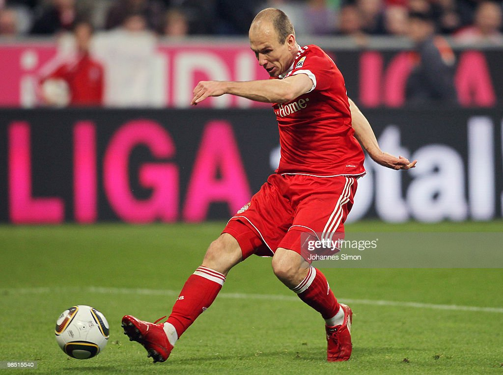 Arjen Robben of Bayern tries to score during the Bundesliga match between FC Bayern Muenchen and Hannover 96 at Allianz Arena on April 17, 2010, in Munich, Germany.