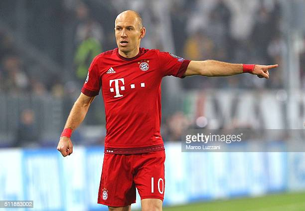 Arjen Robben of FC Bayern Muenchen gestures during the UEFA Champions League Round of 16 first leg match between Juventus and FC Bayern Muenchen at...