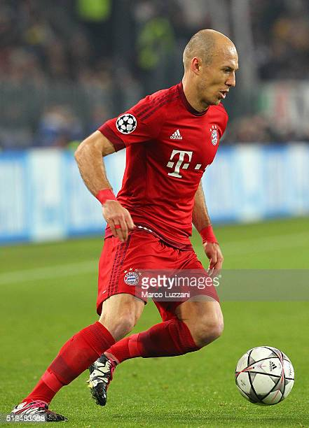 Arjen Robben of FC Bayern Muenchen in action during the UEFA Champions League Round of 16 first leg match between Juventus and FC Bayern Muenchen at...