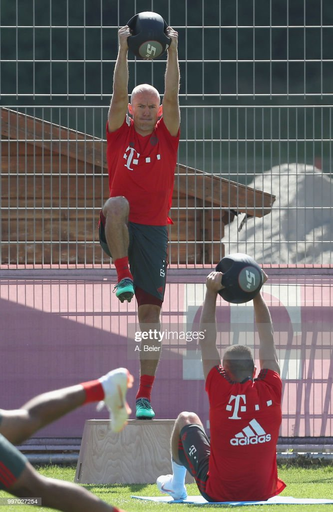 Arjen Robben of FC Bayern Muenchen practices during a training session at the club's Saebener Strasse training ground on July 12, 2018 in Munich, Germany.